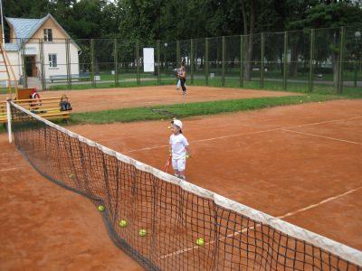 Теннис на грунте в Бресте