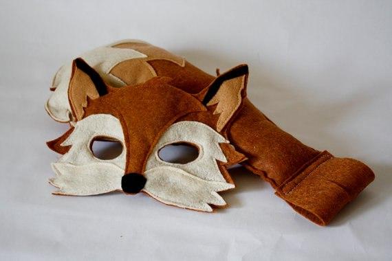 Маска лисицы с галстуком