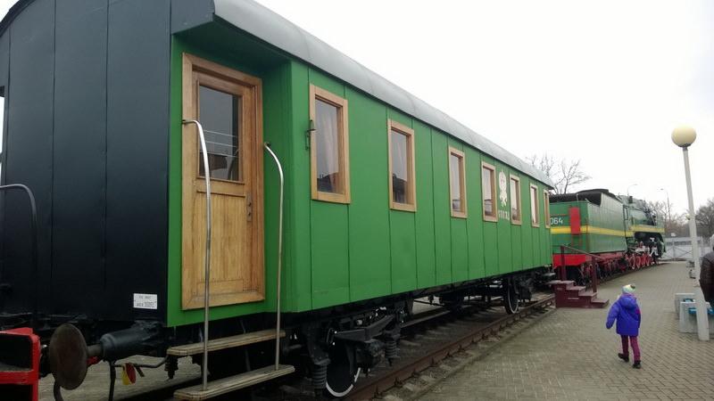 Столетние деревянные пассажирские вагоны