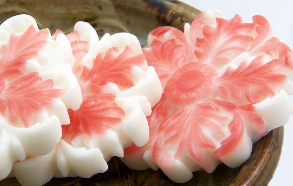Мыло в форме цветка
