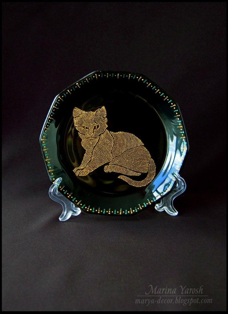 Роспись point-to-point котик на тарелке