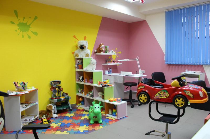 Мини игровая зона с игрушками